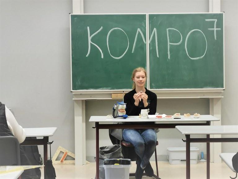 Kompo7_Zahn2.png